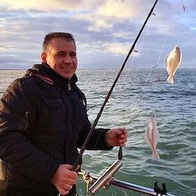 ankervissen zeeland trip man met vangst