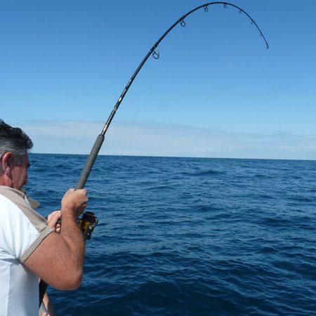 man aan het wrakvissen zeeland
